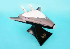 NASA - Lockeed-Martin X-33 Venture Star - 1/50 Scale Resin Model - E2650R3R
