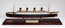 Signed by Millvina Dean - RMS Titanic Oceanliner - 1/350 Scale Mahogany Model