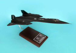 SR-71 Blackbird - Signed By Bob Gilland - 1/63 Scale Model