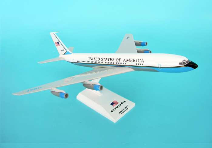 Skymarks - Air Force One - VC-137 707 - 1/150 Scale Plastic Model